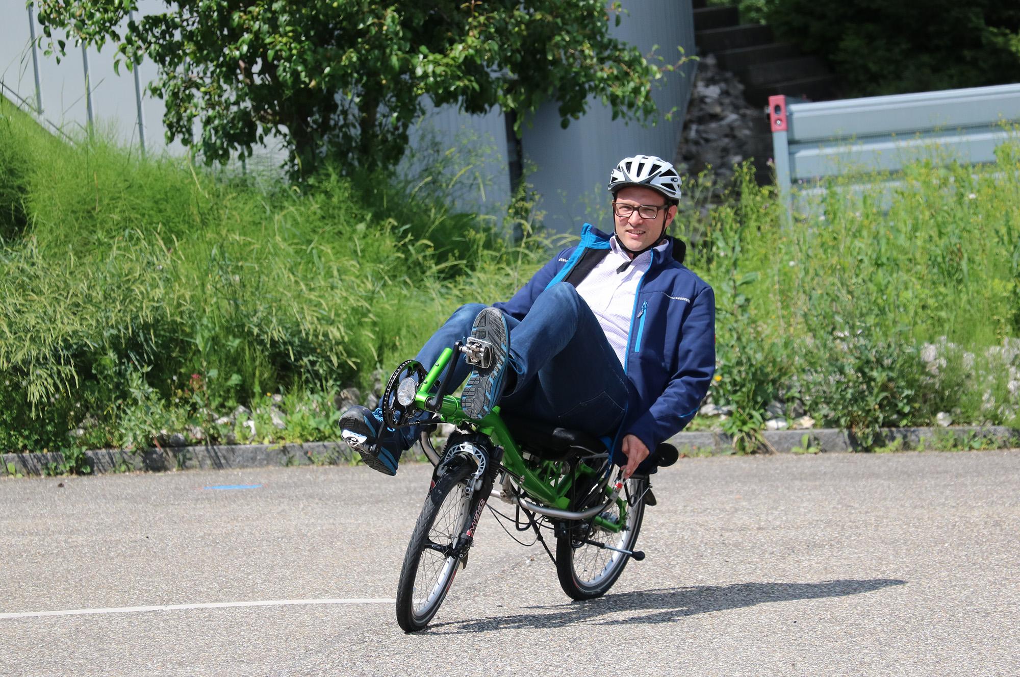 Lukas Greter auf dem Weg zur Arbeit